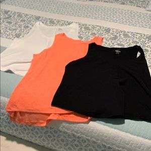 Old navy tank tops. Bundle of 3